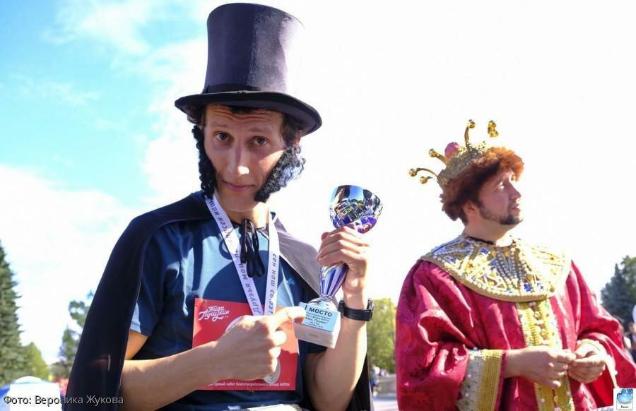 Третий костюмированный забег «Айда Пушкин» состоялся в Санкт-Петербурге